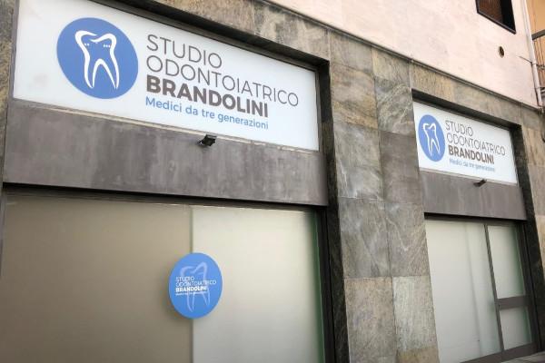 Cerchi uno studio dentistico a Busto Arsizio? Rivolgiti al Dr. Brandolini